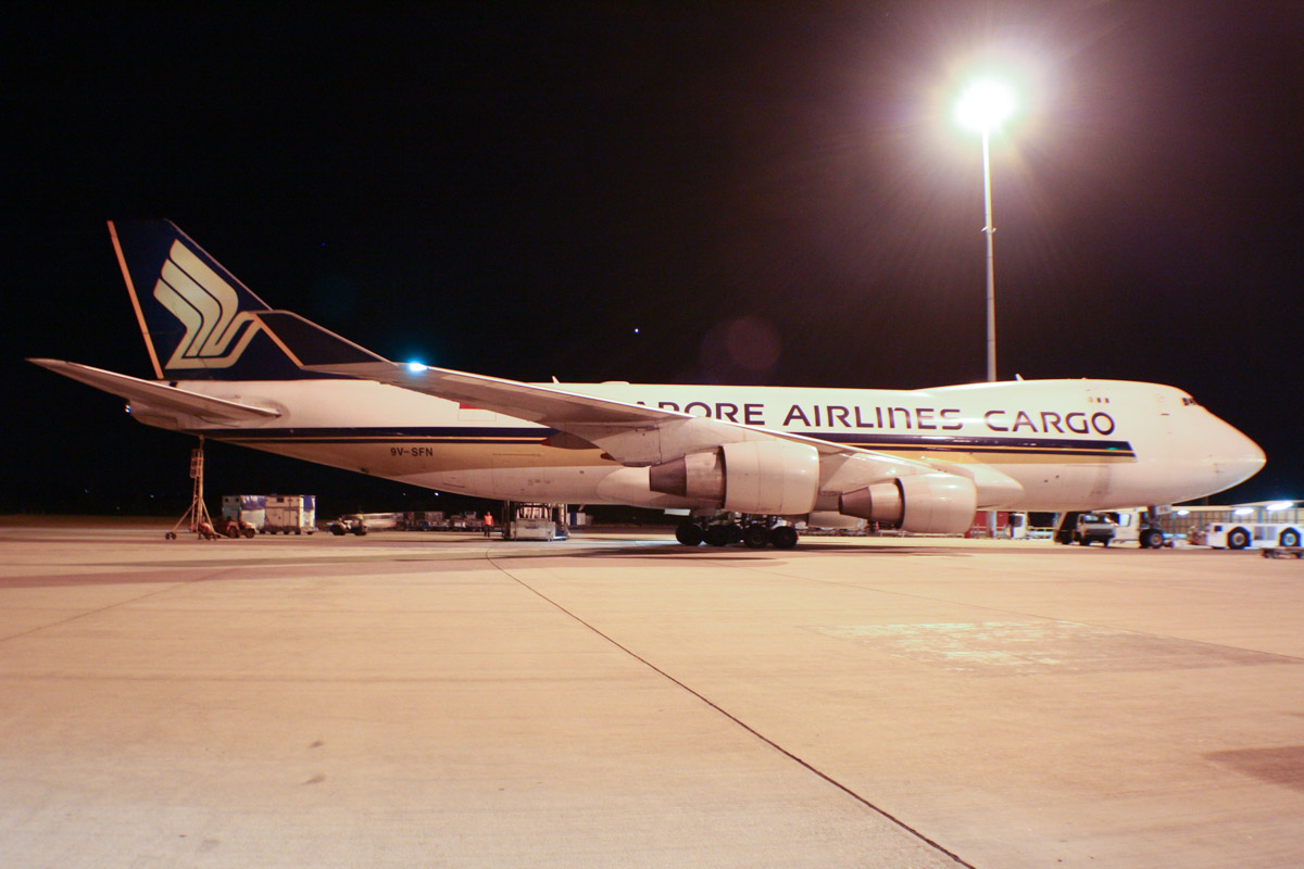 9V-SFN Boeing 747-412F (MSN 32899/1342) of Singapore Airlines Cargo at Perth Airport - Sun 9 February 2014. Photo © Wilson