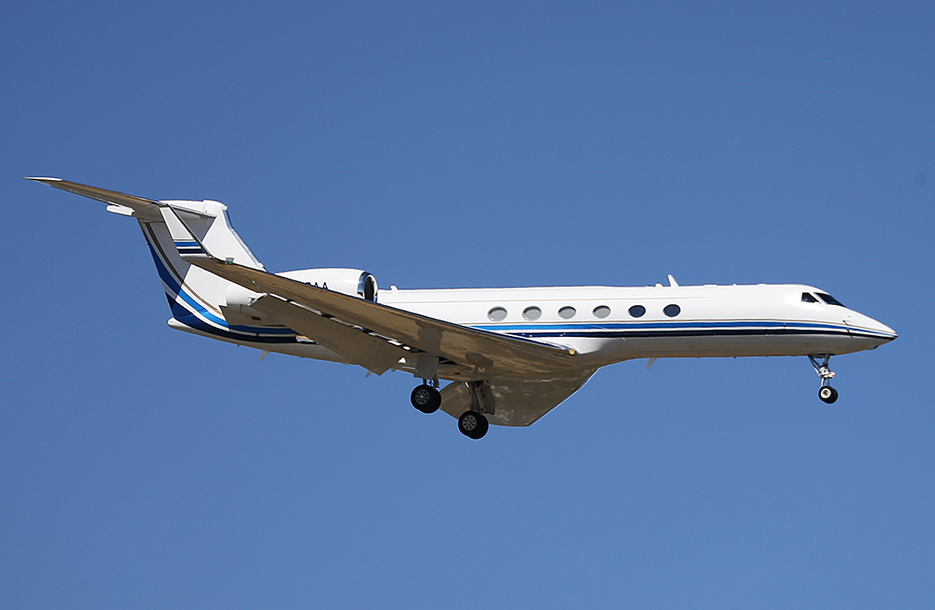 N709AA Gulfstream Aerospace Gulfstream G-V (MSN 635) of Priester Aviation, at Perth Airport – Sun 9 February 2014. Photo © Keith Anderson