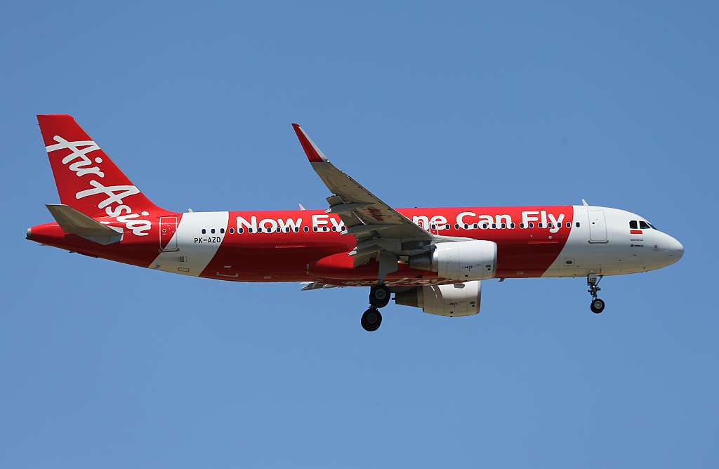 PK-AZD Airbus A320-216 (sharklets) (MSN 5627) of Indonesia AirAsia at Perth Airport – Sun 9 February 2014. Photo © Keith Anderson