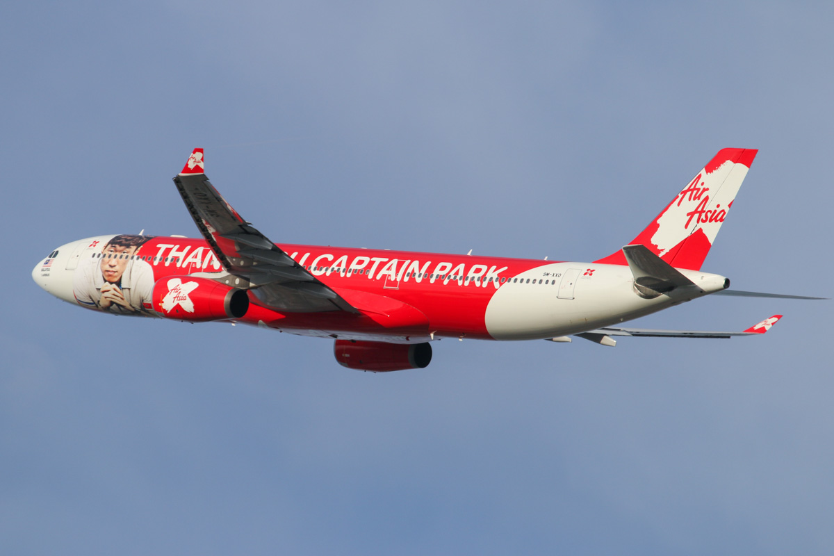 "9M-XXO Airbus A330-343X (MSN 692) of AirAsia X, with ""THANK YOU CAPTAIN PARK"" special livery, at Perth Airport – Wed 12 February 2014. Photo © David Eyre"