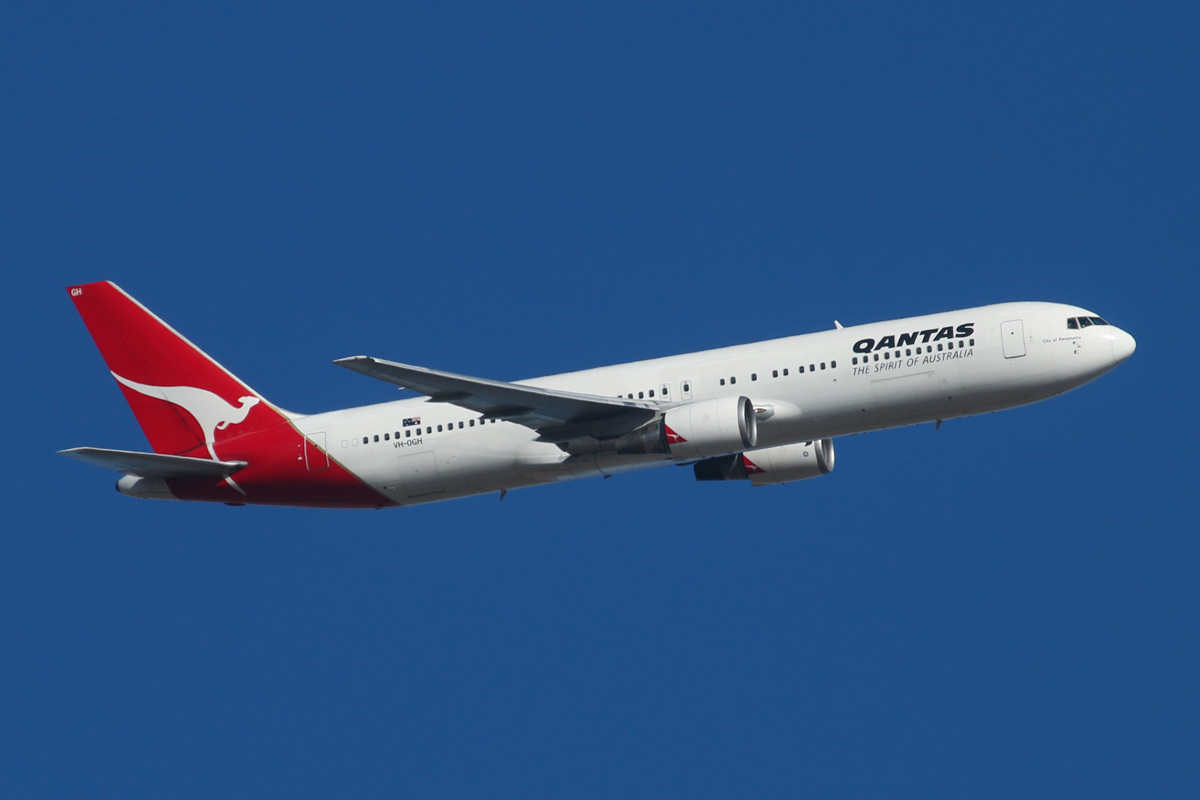 "VH-OGH Boeing 767-338ER (MSN 24930/344) of Qantas, named ""City of Parramatta"", over Middle Swan - Fri 14 February 2014. Photo © David Eyre"