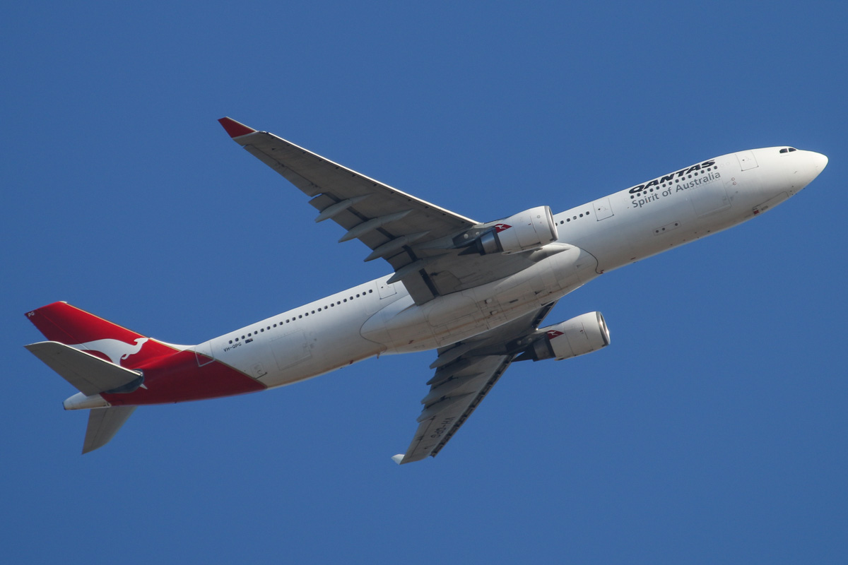 """VH-QPG Airbus A330-303 (MSN 603) of Qantas, named """"Mt Gambier"""" over Middle Swan - Fri 14 February 2014. Photo © David Eyre"""