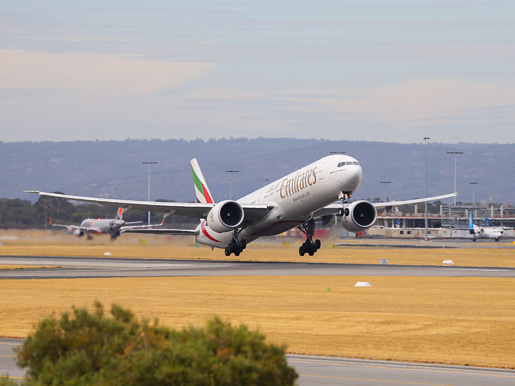 A6-EGD Boeing 777-31HER (MSN 38988/946) of Emirates, at Perth Airport – Sun 16 February 2014. Photo © Keith Anderson