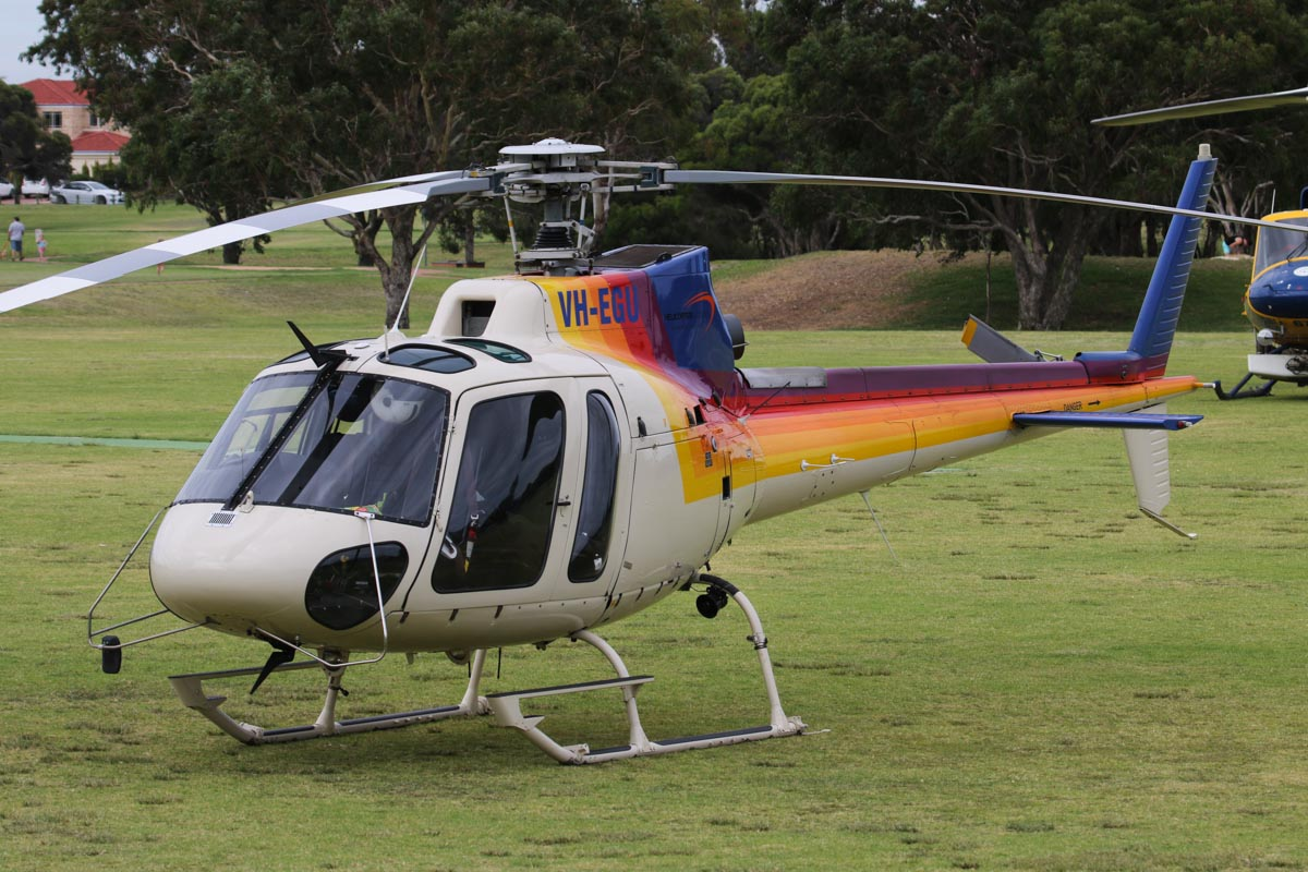 VH-EGU (FIREBIRD 620 / AIR ATTACK 1) Eurocopter AS350B2 Squirrel Soloy SD2 (MSN 3201) of Helicopter Logistics, leased from Pacific Crown Helicopters, operated for the Department of Fire and Emergency Services, at Warradale Park, Landsdale – Sun 16 February 2014. Photo © David Eyre