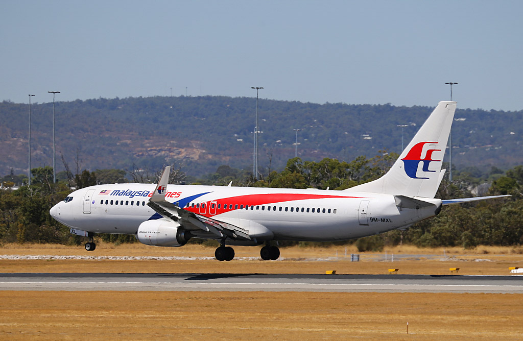 9M-MXL Boeing 737-8H6 (MSN 40139/4246) of Malaysia Airlines, at Perth Airport - Wed 19 February 2014. Photo © Keith Anderson.