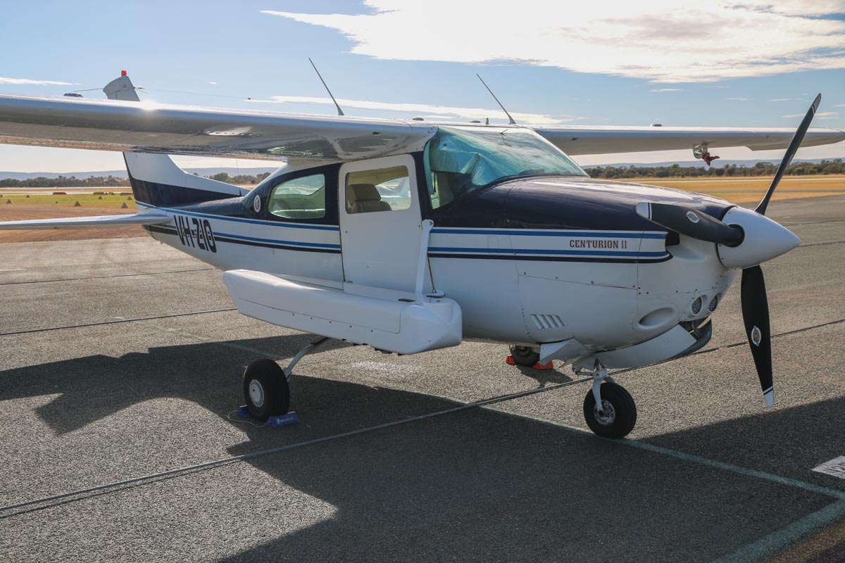 VH-ZIO Cessna 210N Centurion II (MSN 21064644) owned by Handel Aviation Pty Ltd, operated for Nearmap Pty Ltd, at Jandakot Airport – Sat 22 February 2014. Photo © David Eyre