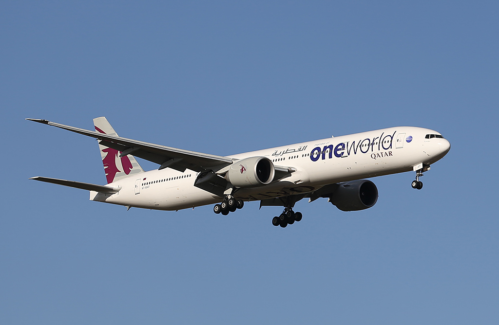 "A7-BAF Boeing 777-3DZER (MSN 37661/815) of Qatar Airways, named ""Bu Samra"", in Oneworld livery, at Perth Airport - Sat 22 February 2014. Photo © Keith Anderson"