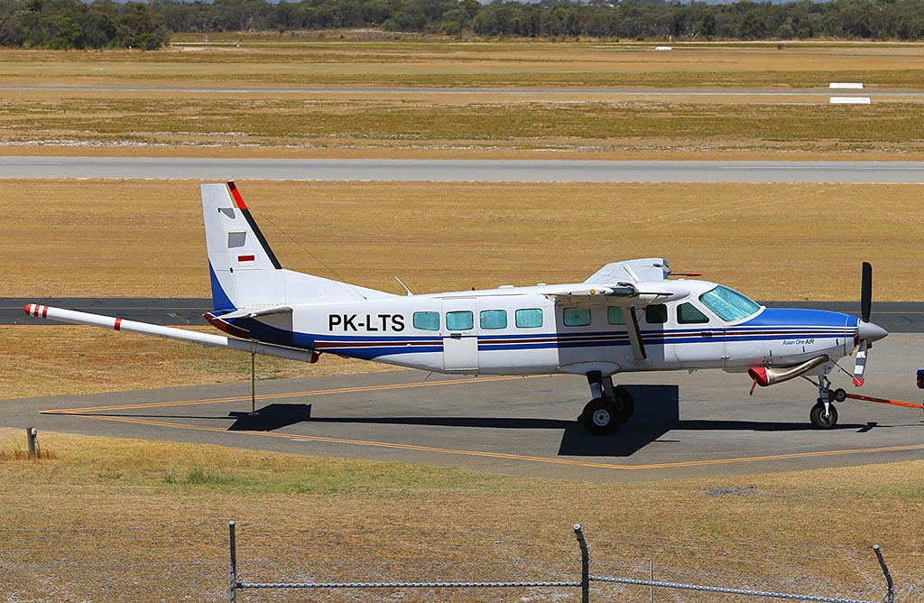 PK-LTS Cessna 208B Grand Caravan (MSN 208B0747) owned by Sander Geophysics Ltd (Asian One Air) at Jandakot Airport – Mon 24 February 2014. Photo © Keith Anderson