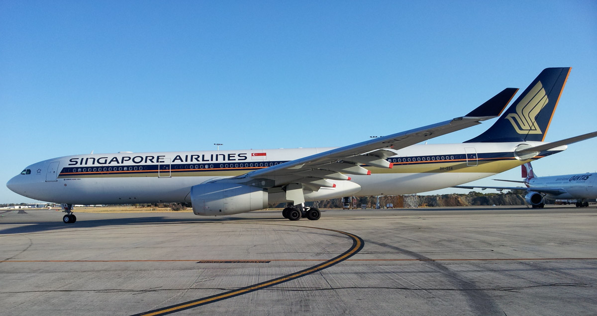 9V-SSA Airbus A330-343X (MSN 1485) of Singapore Airlines at Perth Airport – Thu 27 February 2014. Photo © Wilson