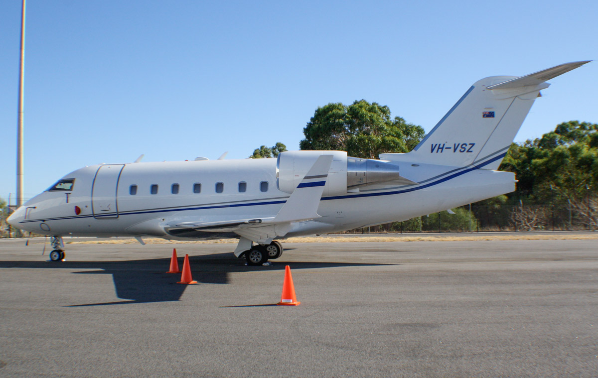 VH-VSZ Bombardier CL-600-2B16 Challenger 604 (MSN 5411) owned by Execujet Australia Pty Ltd at Perth Airport - Thu 27 February 2014. Photo © Wilson