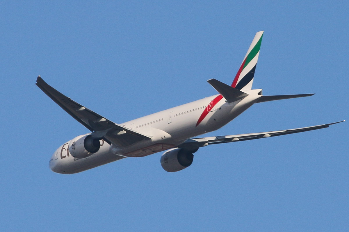 A6-ENN Boeing 777-31HER (MSN 41360/1177) of Emirates, over the northern suburbs of Perth - Tue 11 March 2014. Photo © David Eyre