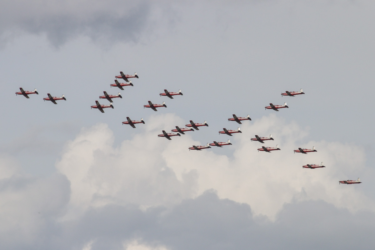 23 Pilatus PC-9/A aircraft of 2 Flying Training School (2FTS), RAAF, based at Pearce, WA, in Thunderbird formation over the northern suburbs of Perth – Wed 12 March 2014. Photo © David Eyre