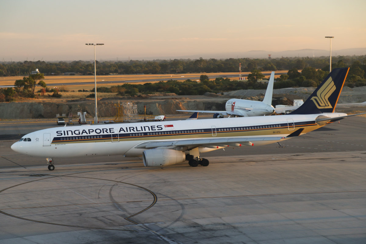 9V-STU Airbus A330-343X (MSN 1401) of Singapore Airlines, at Perth Airport – Mon 17 March 2014. Photo © David Eyre