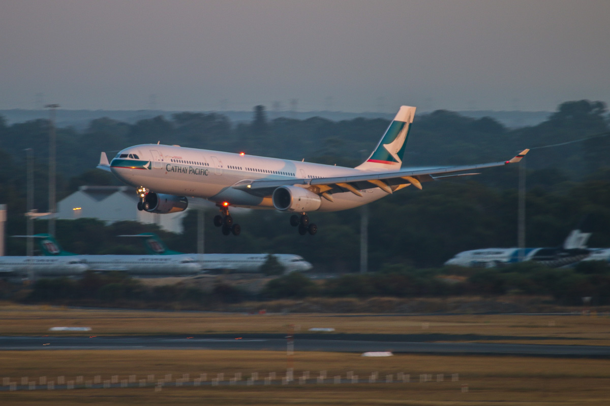B-LAR Airbus A330-343X (MSN 1362) of Cathay Pacific at Perth Airport – Mon 17 March 2014. Photo © David Eyre