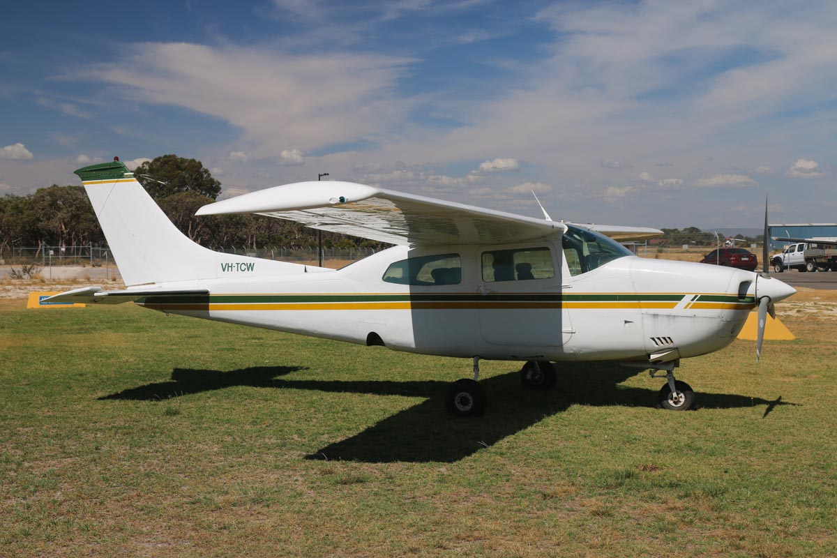 VH-TCW Cessna 210L Centurion (MSN 21060622) owned by John Wilson, Kulin, WA, at Jandakot Airport - Mon 17 March 2014. Photo © David Eyre