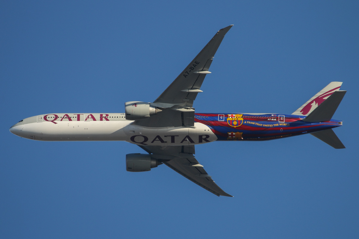 "A7-BAE Boeing 777-3DZER (MSN 36104/769) of Qatar Airways, named ""Almas-Habia"", in FC Barcelona special livery, over northern suburbs of Perth – Tue 18 March 2014. Photo © David Eyre"