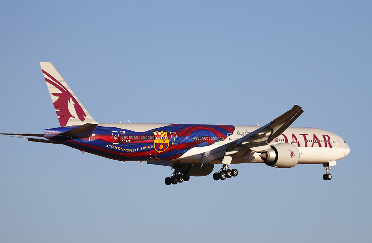 "A7-BAE Boeing 777-3DZER (MSN 36104/769) of Qatar Airways, named ""Almas-Habia"", in FC Barcelona special livery, at Perth Airport – Tue 18 March 2014. Photo © Keith Anderson"