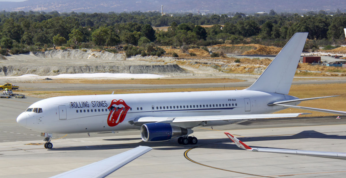 ZS-DJI Boeing 767-216ER (MSN 23624/144) of Aeronexus Corporate (Pty) Ltd, Johannesburg, South Africa, in Rolling Stones livery, at Perth Airport – Thu 20 March 2014. Photo © Steve Jaksic