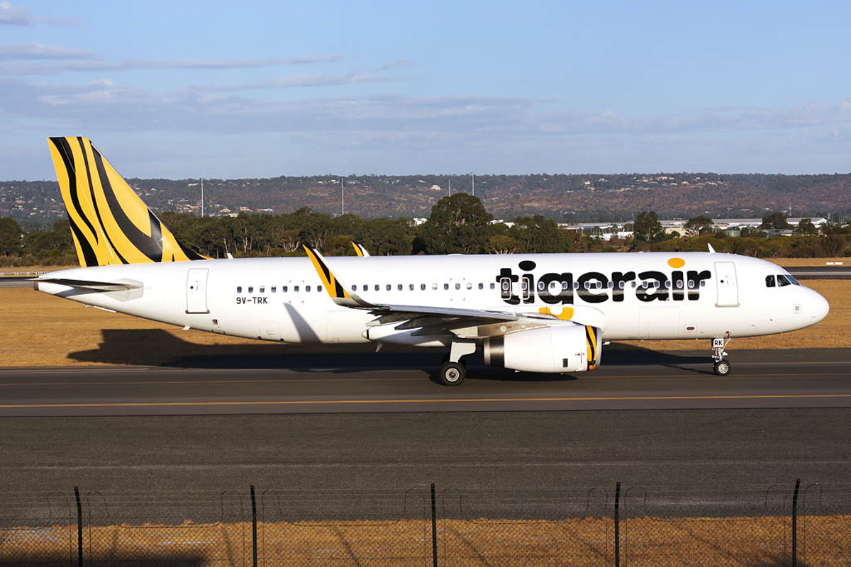 9V-TRK Airbus A320-232 (sharklets) (MSN 5697) of Tigerair, at Perth Airport - Fri 21 March 2014. Photo © Ian Moy