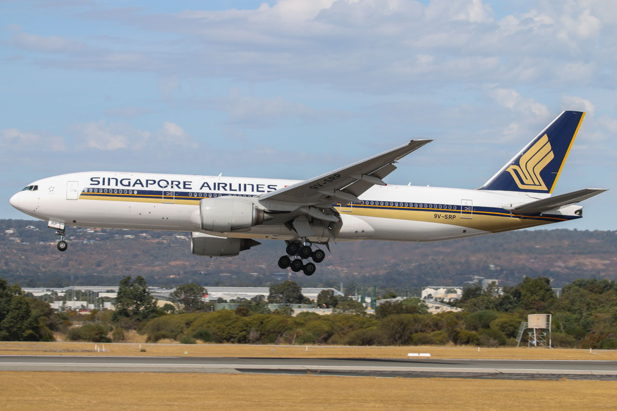 9V-SRP Boeing 777-212ER (MSN 33369/448) of Singapore Airlines at Perth Airport – Sat 22 March 2014. Photo © David Eyre