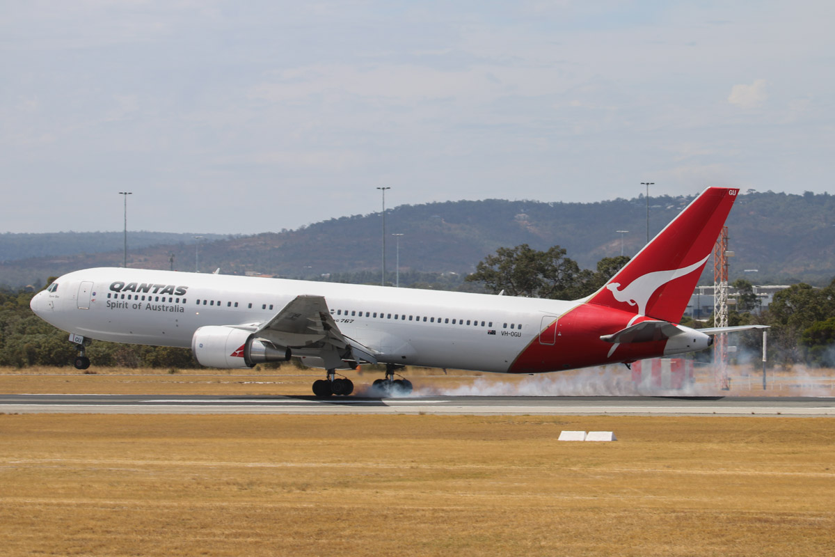 "VH-OGU Boeing 767-338ER (MSN 29118/713) of Qantas, named ""Byron Bay"", at Perth Airport - Sat 22 March 2014. Photo © David Eyre"