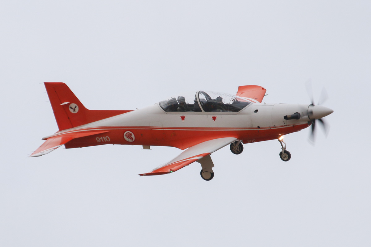 "9110 Pilatus PC-21 (MSN 118) of the Republic of Singapore Air Force, 130 ""Eagle"" Sqn, at RAAF Pearce – Wed 26 March 2014. Photo © David Eyre"