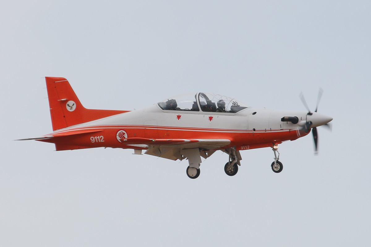 "9112 Pilatus PC-21 (MSN 120) of the Republic of Singapore Air Force, 130 ""Eagle"" Sqn, at RAAF Pearce – Wed 26 March 2014. Photo © David Eyre"