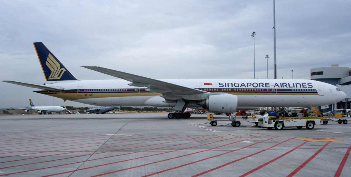 9V-SYF Boeing 777-312 (MSN 30868/360) of Singapore Airlines, at Perth Airport – Fri 4 April 2014. Photo © Wilson