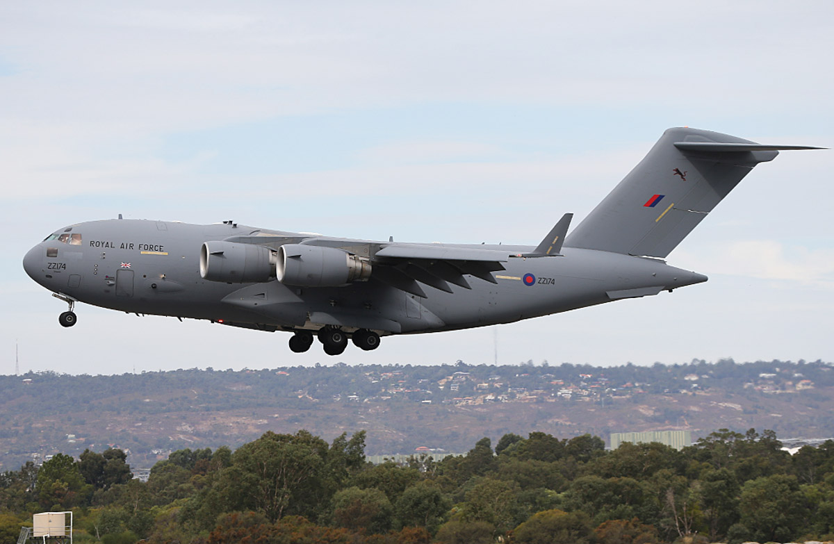 ZZ174 Boeing C-17A Globemaster III (MSN P-77 / UK3) of the Royal Air Force, 99 Squadron, based at RAF Brize Norton, UK, at Perth Airport – Fri 4 April 2014. Photo © Keith Anderson