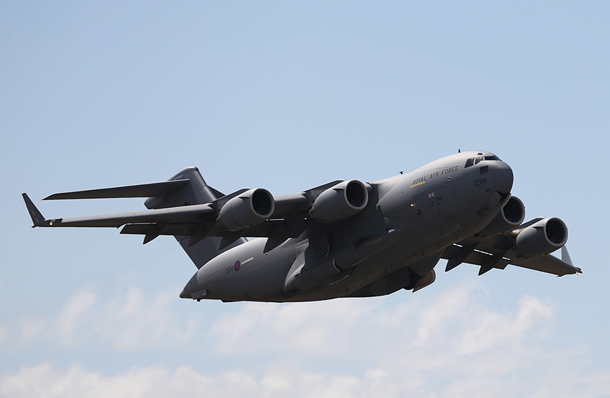 ZZ174 Boeing C-17A Globemaster III (MSN P-77 / UK3) of the Royal Air Force, 99 Squadron, based at RAF Brize Norton, UK, at Perth Airport – Sat 5 April 2014. Photo © Keith Anderson