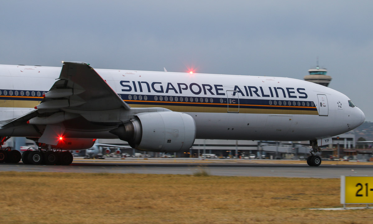 9V-SYF Boeing 777-312 (MSN 30868/360) of Singapore Airlines at Perth Airport – Fri 4 April 2014. Photo © David Eyre