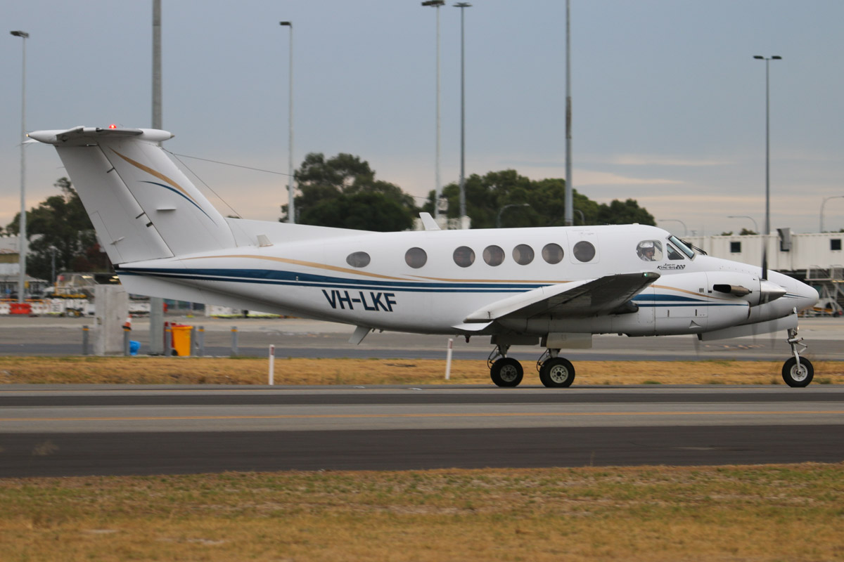 VH-LKF Beech 200 King Air (MSN BB-660) of Star Aviation, at Perth Airport– Fri 4 April 2014. Photo © David Eyre