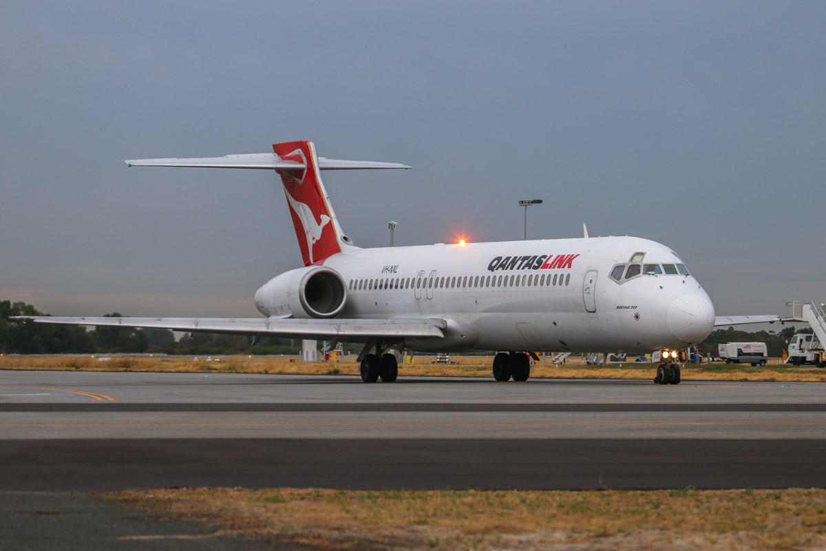 VH-NXL Boeing 717-231 (MSN 55093/5083) of QantasLink, at Perth Airport– Fri 4 April 2014. Photo © David Eyre