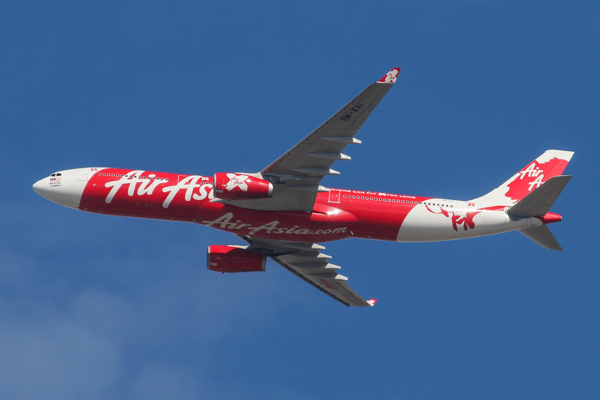 9M-XXI Airbus A330-343X (MSN 1411) of AirAsia X, named 'Xakura Blossom', over the northern suburbs of Perth – Sat 5 April 2014. Photo © David Eyre