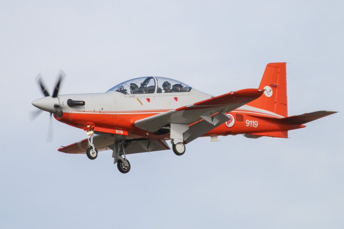 9119 Pilatus PC-21 (MSN 127) of the Republic of Singapore Air Force, 130 'Eagle' Squadron, at RAAF Pearce – Wed 9 April 2014. Photo © David Eyre