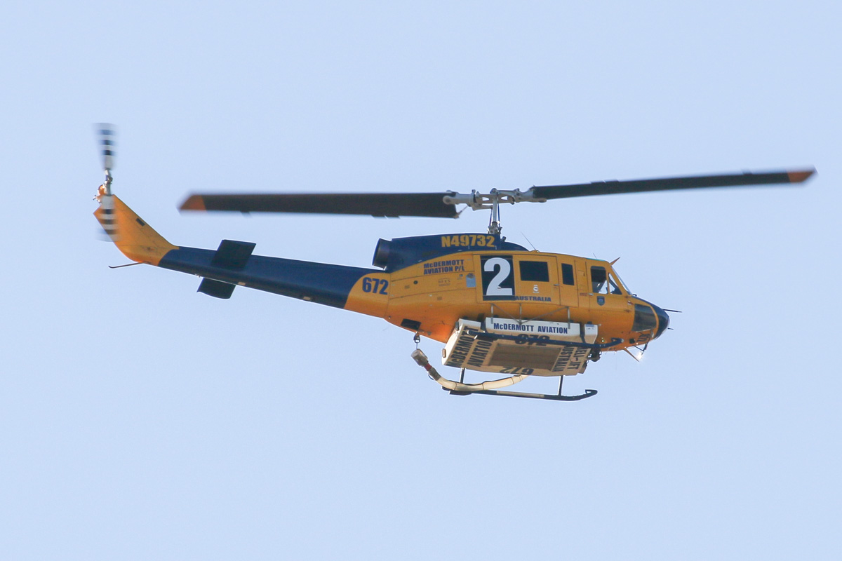N49732 / HELITAC 672 / 2 Bell 214B-1 BigLifter (MSN 28005) of McDermott Aviation, operating for the Department of Fire and Emergency Services, over the northern suburbs of Perth – Fri 11 April 2014. Photo © David Eyre