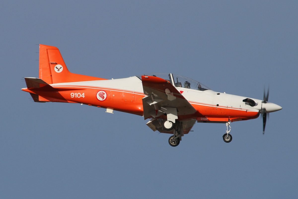9104 Pilatus PC-21 (MSN 112) of 130 'Eagle' Squadron, Republic of Singapore Air Force, at RAAF Pearce – Thu 17 April 2014. Photo © David Eyre