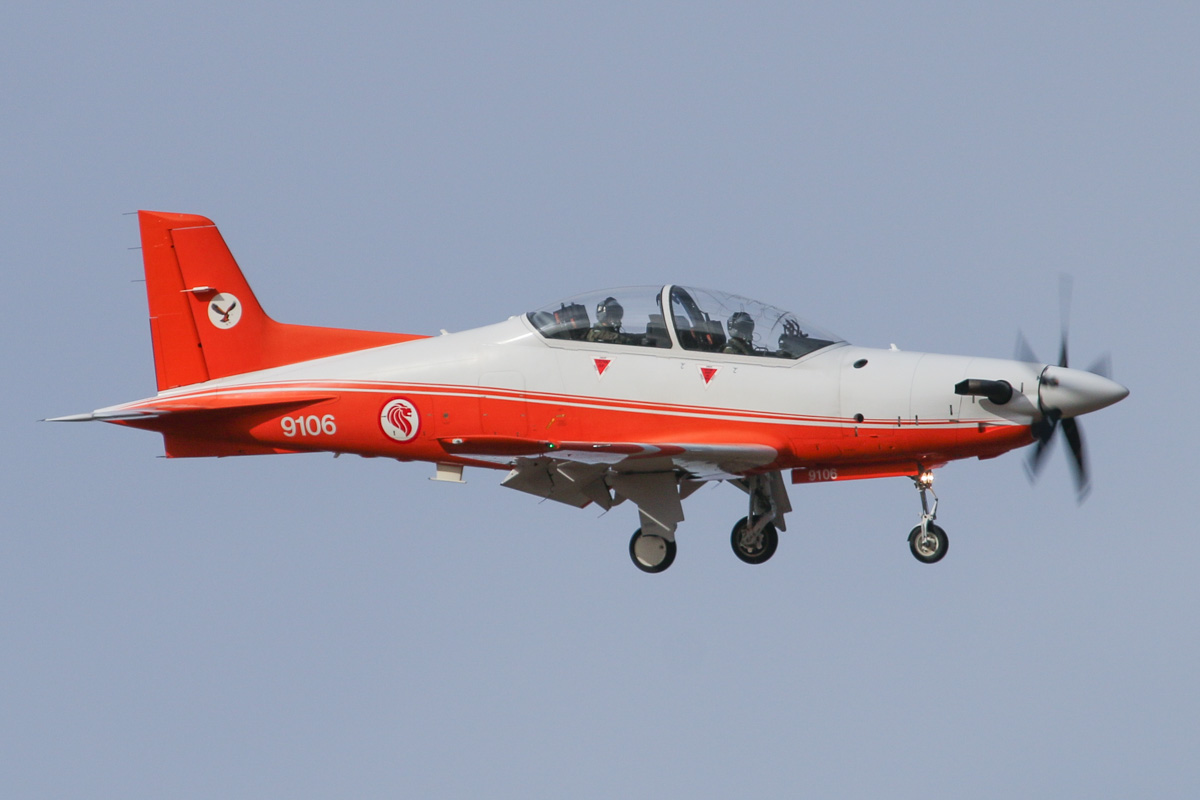 9106 Pilatus PC-21 (MSN 114) of 130 'Eagle' Squadron, Republic of Singapore Air Force, at RAAF Pearce – Thu 17 April 2014. Photo © David Eyre