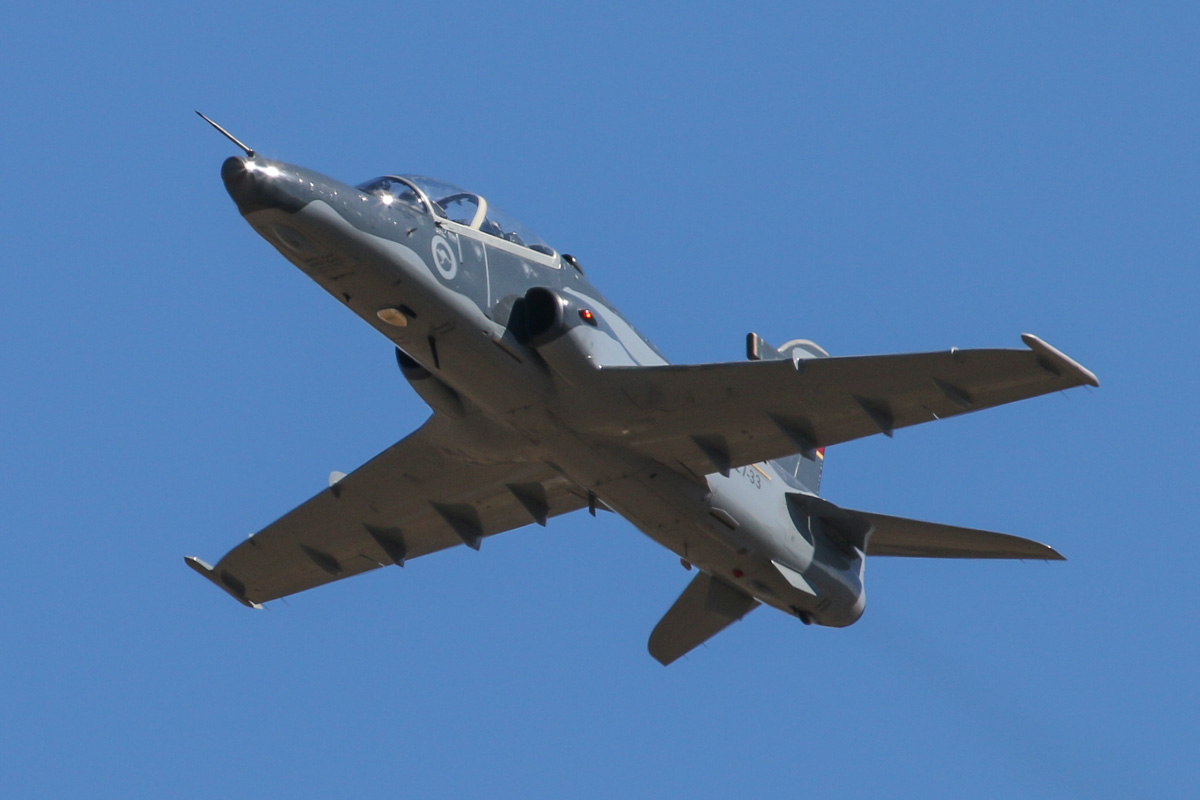 A27-33 BAE Systems Hawk 127 (MSN DT33) of 79 Squadron, RAAF, at RAAF Pearce - Tue 22 April 2014. Photo © David Eyre