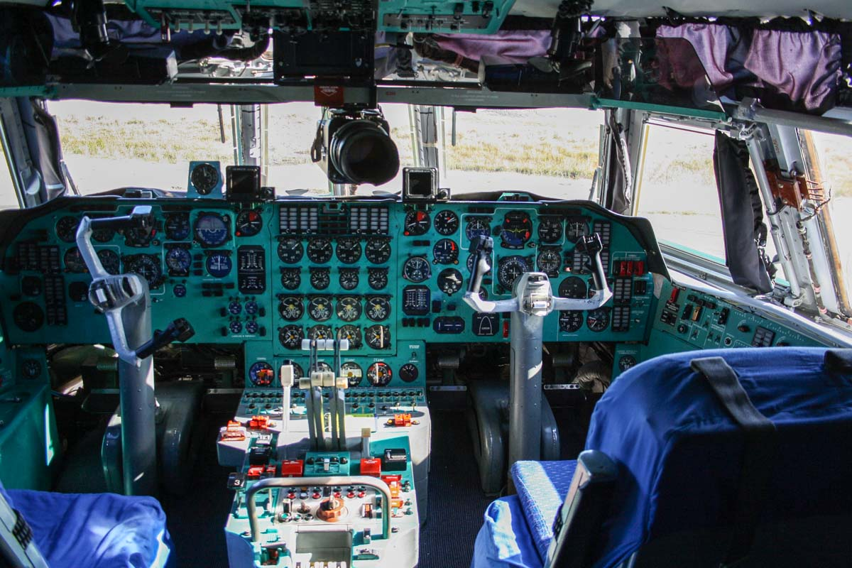 Cockpit of 20541 Ilyushin IL-76MD (MSN 0083486570) of the 13th Transport Division, 39th Air Regiment, Peoples' Liberation Army Air Force (PLAAF) (China), at Perth Airport – Wed 30 April 2014. Photo © Wilson