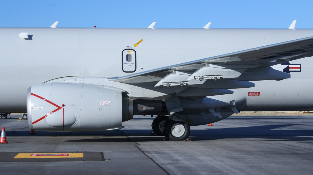 168433 / LF-433 Boeing P-8A Poseidon (737-8FV) (MSN 40813/4055) of US Navy, VP-16 'War Eagles', at Perth Airport – Thu 1 May 2014. Photo © Wilson