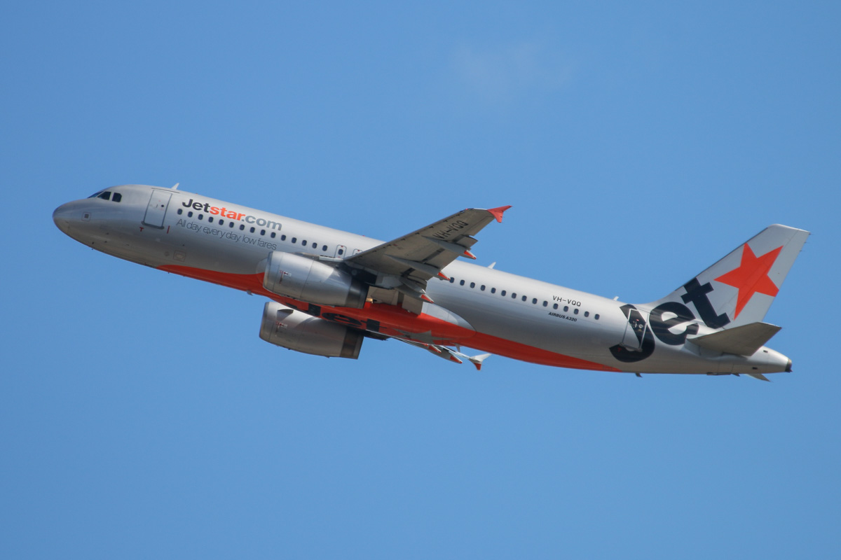 VH-VQQ Airbus A320-232 (MSN 2537) of Jetstar, at Perth Airport – Thu 1 May 2014. Photo © David Eyre