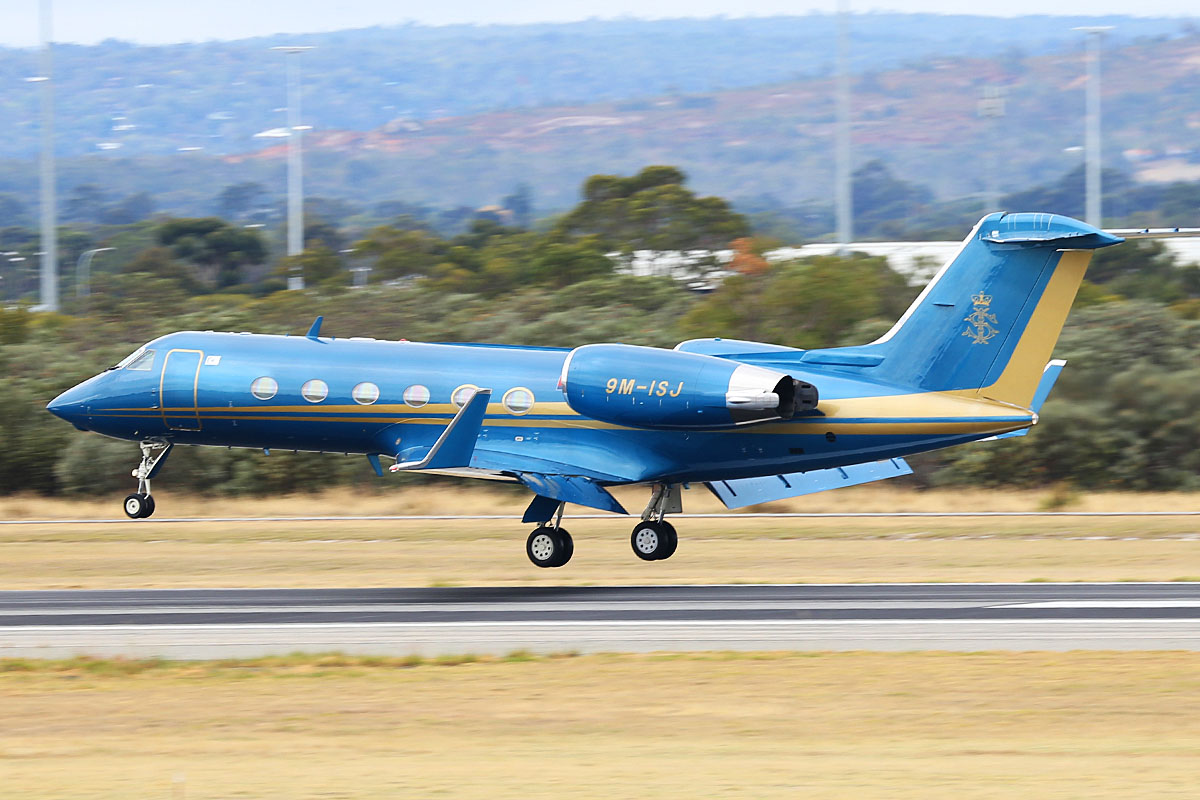 9M-ISJ Gulfstream Aerospace G-IV (MSN 1106) owned by the State Government of Johor/His Majesty Sultan Iskandar of Johor, at Perth Airport – Tue 6 May 2014. Photo © Keith Anderson