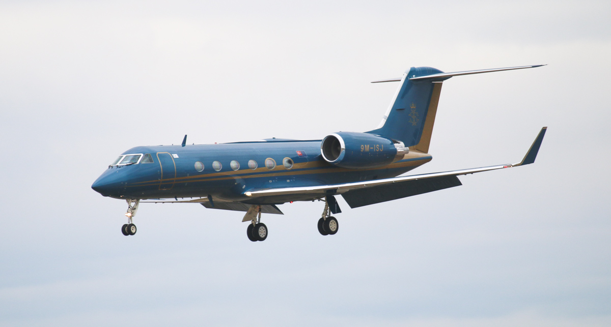 9M-ISJ Gulfstream Aerospace G-IV (MSN 1106) owned by the State Government of Johor/His Majesty Sultan Iskandar of Johor, at Perth Airport – Tue 6 May 2014. Photo © Steve Jaksic