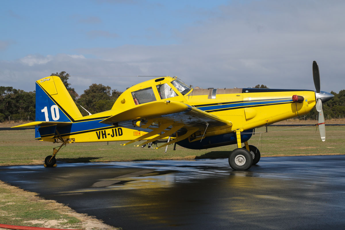 VH-JID / BOMBER 610 Air Tractor AT-802 (MSN 802-0341) owned by Dunn Aviation, named 'Chop', at Bunbury Airport – Fri 9 May 2014.