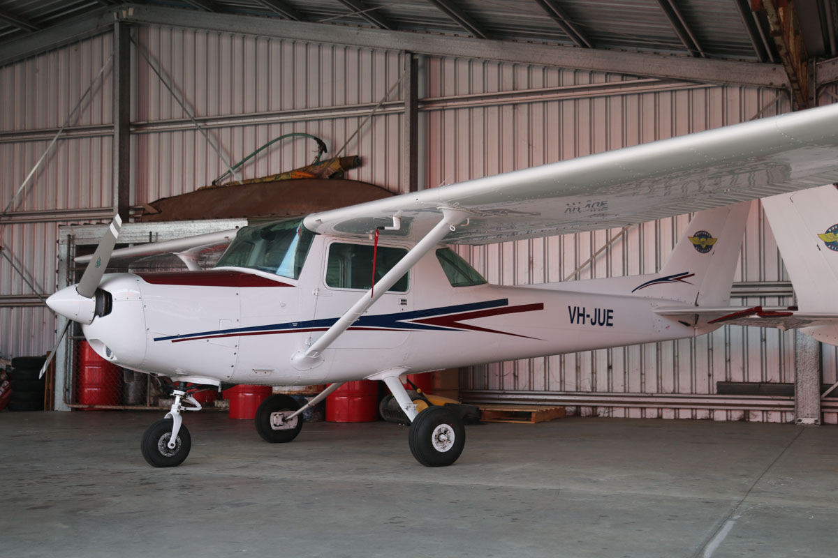 VH-JUE Cessna 152 (MSN 15285624) owned by Southern Aviation/Bunbury Flying School, at Bunbury Airport – Fri 9 May 2014. Photo © David Eyre