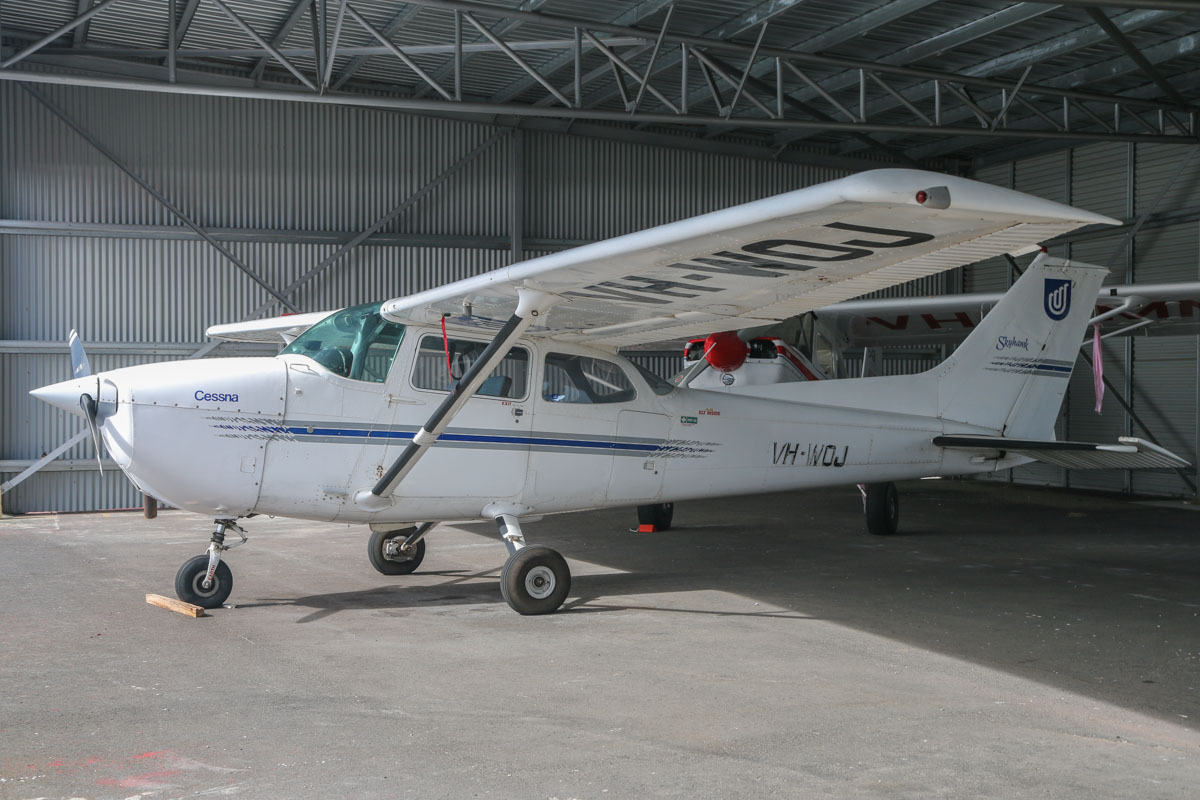 VH-WOJ Cessna 172N Skyhawk II (MSN 17269255) owned by Olympic Aviation, at Bunbury Airport – Fri 9 May 2014. Photo © David Eyre