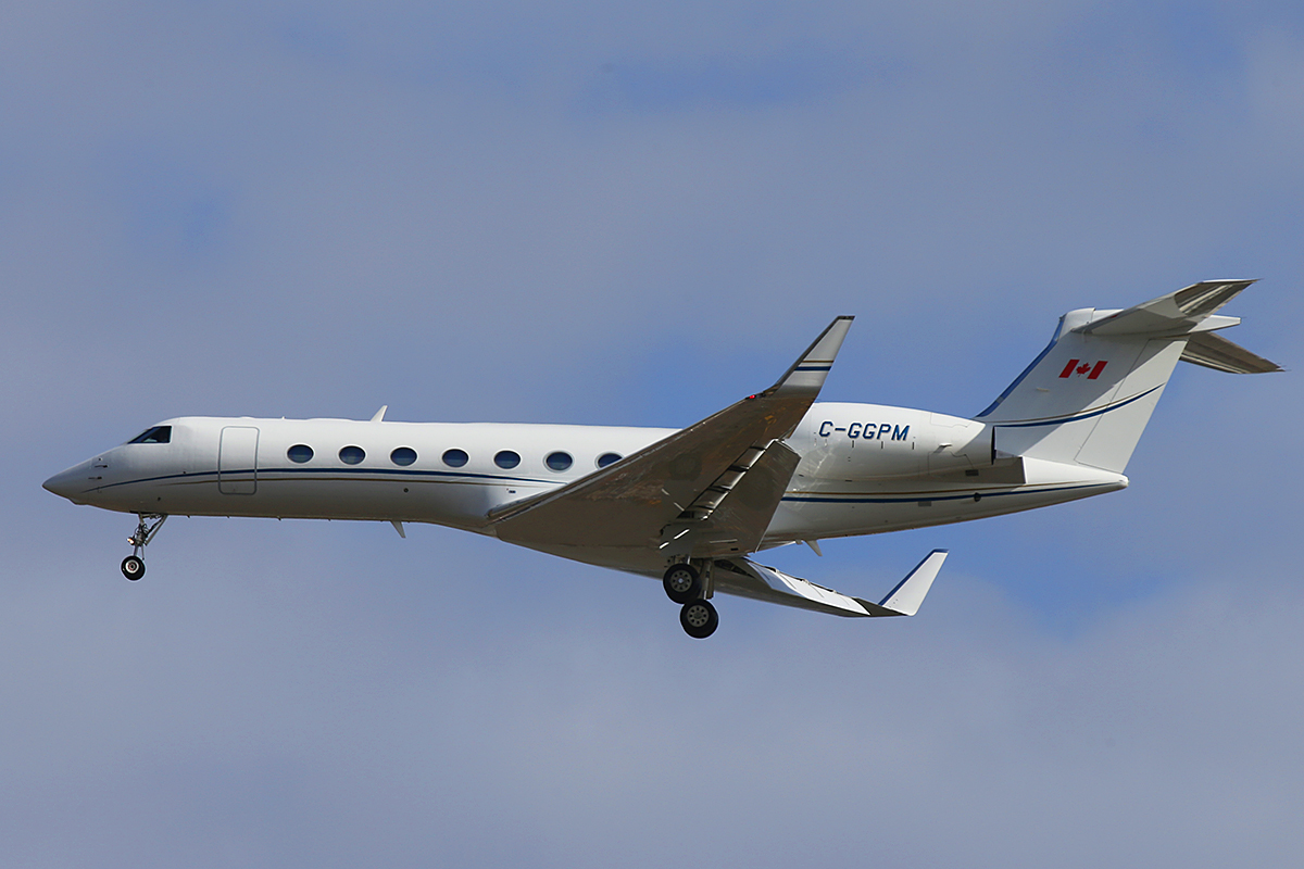 C-GGPM Gulfstream Aerospace G550 (GV-SP) (MSN 5306) owned by Barrick Gold (994748 Ontario Inc), at Perth Airport – Tue 13 May 2014.