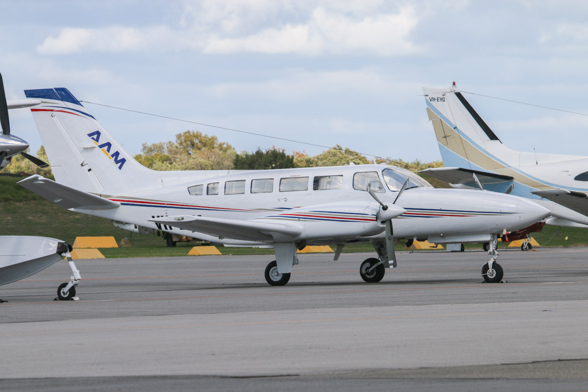 VH-LAM Cessna 404 Titan (MSN 4040627) owned by Australian Aerial Mapping (AAM) (Bayswater Road Pty Ltd), Spring Hill, QLD, at Jandakot Airport – Sat 17 May 2014. Photo © David Eyre