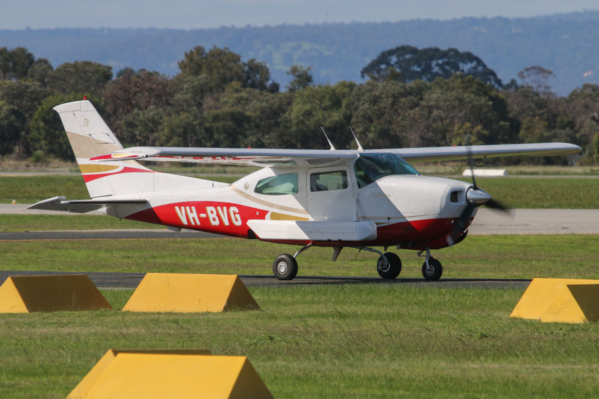 VH-BVG Cessna 210N Centurion II (MSN 21064019) owned by Handel Aviation, Gymea, NSW, operated for Nearmap Pty Ltd, at Jandakot Airport – Fri 30 May 2014. Photo © David Eyre